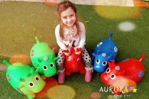 noleggio animaletti di gomma gonfiabili cavalcabili per bambini